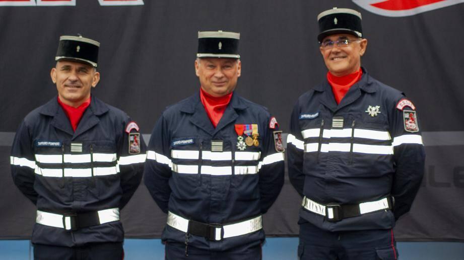 (de g. à d.) Le commandant Stéphane Pouget, le colonel hors classe Eric Grohin, et le commandant Christian Doulcier.