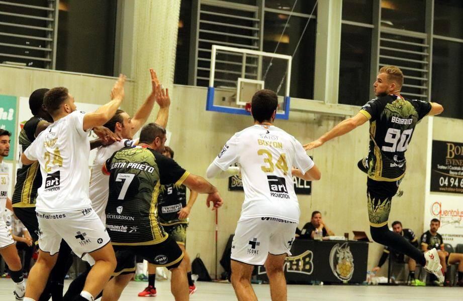 Les handballeurs dracénois ont échoué samedi, à domicile, face à une belle équipe aixoise.
