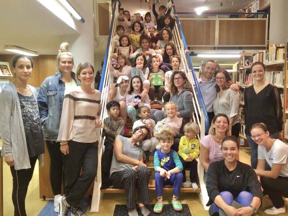 Ils étaient vingt-cinq, en pyjama et avec leur doudou, pour cette première «pyjama party» de la médiathèque. La prochaine fois, les bibliothécaires aussi seront en pyjama !