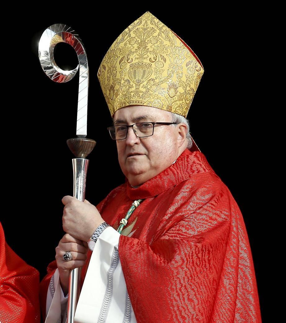 Monseigneur Bernard Barsi considère que légiférer sur l'union libre met « en danger la stabilité de nos institutions ».
