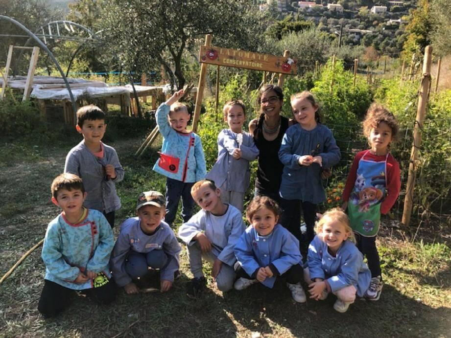 Tout au long de la semaine, les enfants de l'école Les Oliviers ont défilé au conservatoire de la tomate, qui répertorie plus de 120 variétés.