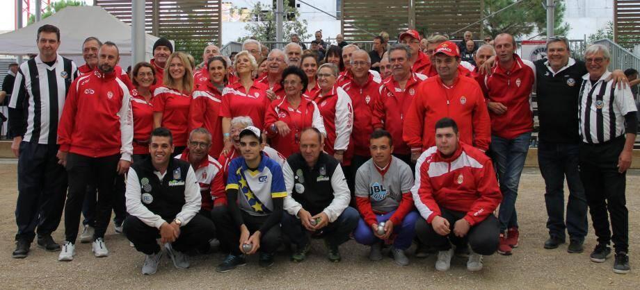 Les bénévoles et les finalistes.(DR)