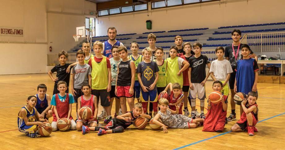 Au gymnase du Careï, les fondamentaux du basket ont été travaillés dans la bonne humeur.