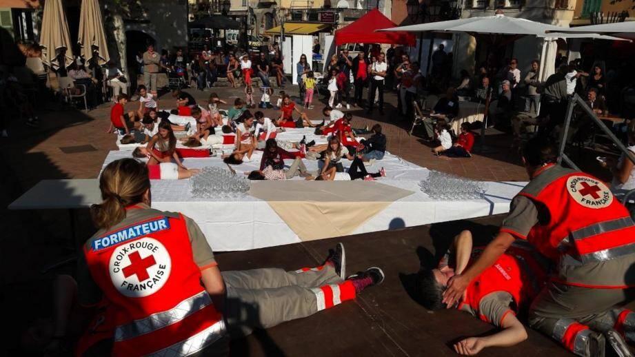 La Croix-Rouge dispense gratuitement des formations aux premiers secours.