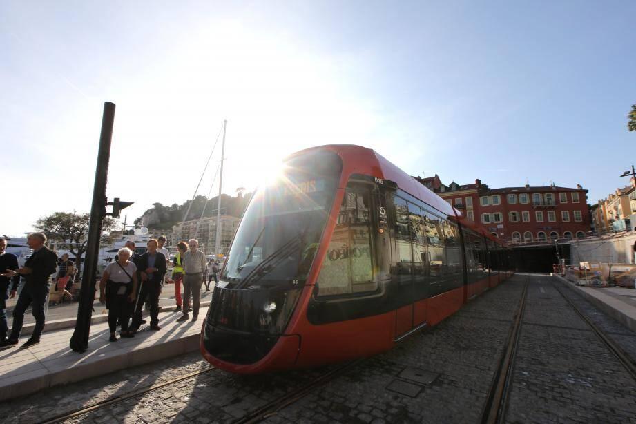 À partir du 2 décembre, Lignes d'Azur effectuera des trajets en situation réelle, à vide.
