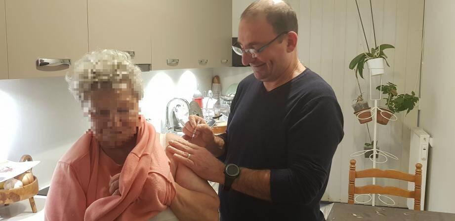 Les infirmiers peuvent vacciner tout le monde, en cabinet comme à domicile.(DR)