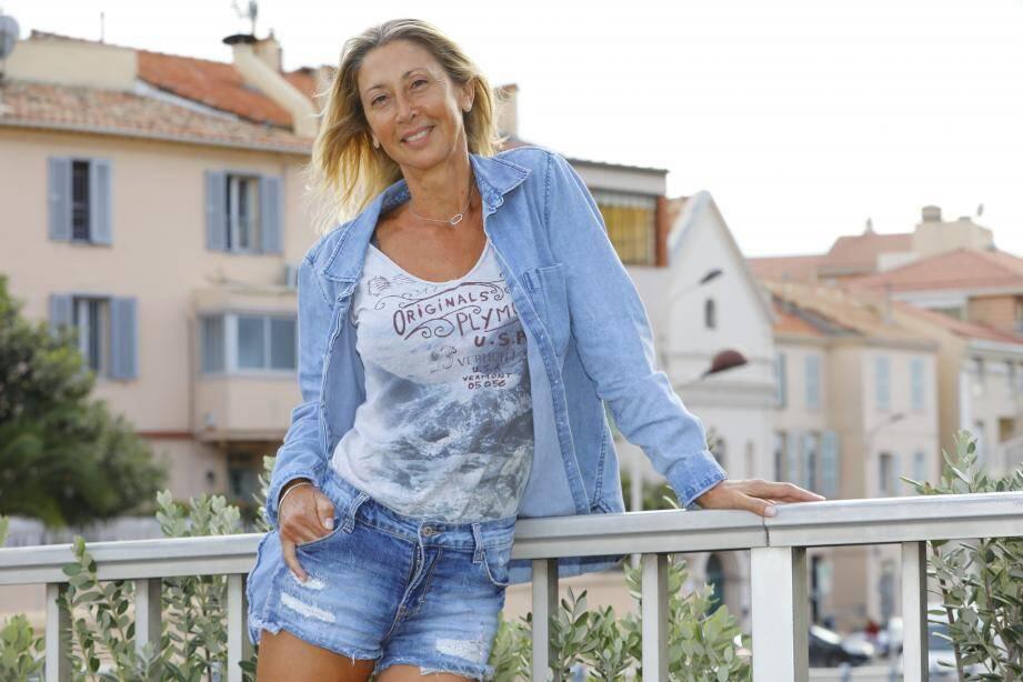 Valérie, coach sportif à Cannes, mais elle a dû se mettre en mode survie aux Philippines.