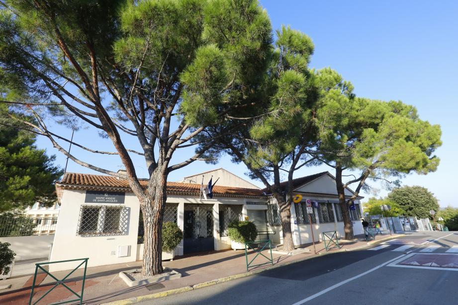 D'ici avril prochain, le quartier Saint-Jacques à Grasse devrait être entièrement raccordé à la fibre optique, annonçait dernièrement Laurent Londeix, directeur régional du groupe Orange, venu, sur place, faire un point sur la situation.