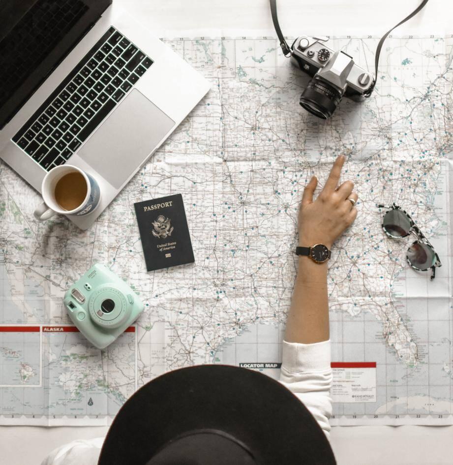 Près de 47 000 Français partent en Programme Vacances-Travail chaque année dans l'un des quinze pays engagés.