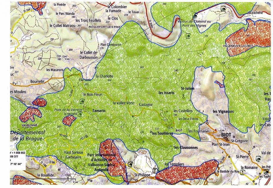 Superposés à une carte actuelle: en vert, l'étendue de l'incendie de 1969, en rouge, les surfaces des foyers des années précédentes.