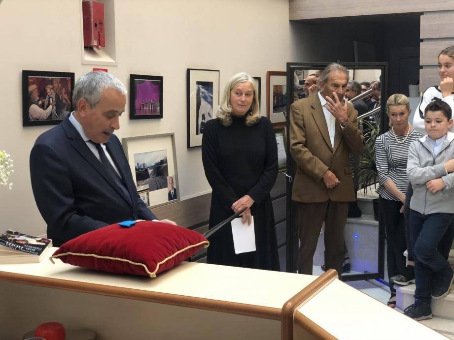 Laurent Stéfanini, nouvel ambassadeur de France à Monaco, a décoré Domitille Lagourgue, devenue chevalier de l'Ordre du Mérite.