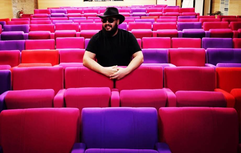 Mehdi Romdhane loue la salle de spectacle du forum pour programmer ses pièces humoristiques : du théâtre de boulevard et one-man-show. DR