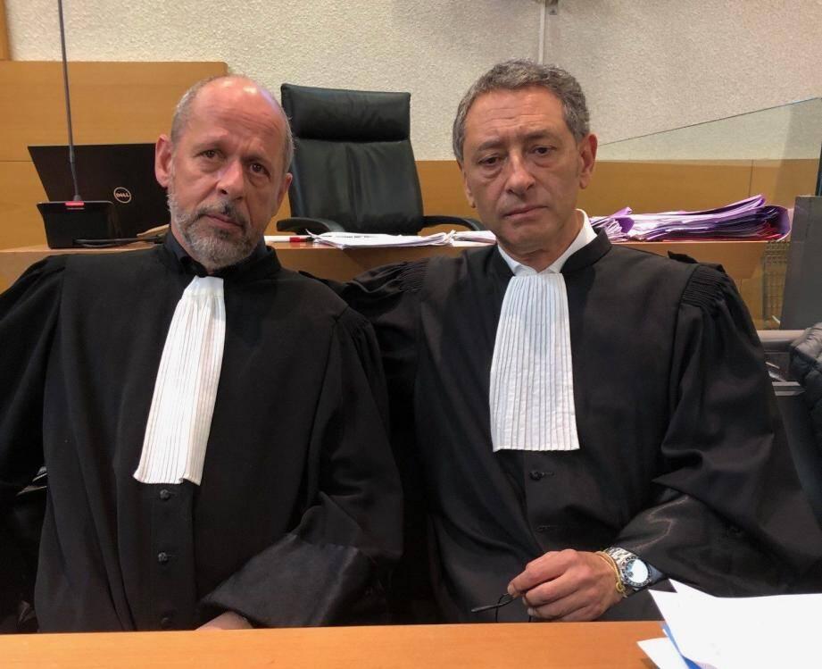 Mes Bérard et Soussi, réunis par cette délicate affaire.