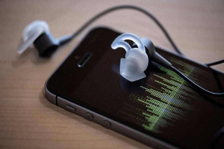 Certains téléphones portables mis en vente avant 2016 doivent être retirés de la circulation, ou au moins mis à jour, selon l'Anses