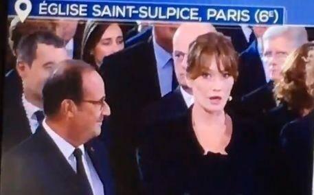 Mais qu'a bien pu dire François Hollande à Carla Bruni-Sarkozy?