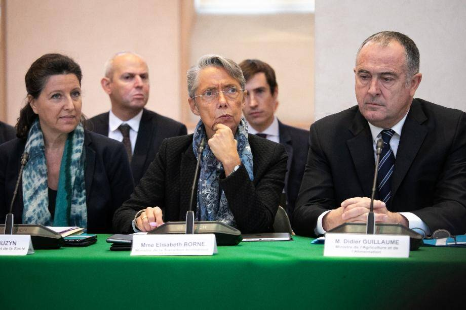 Les ministres Agnès Buzyn (G), Elisabeth Borne et Didier Guillaume le 11 octobre 2019 à Rouen