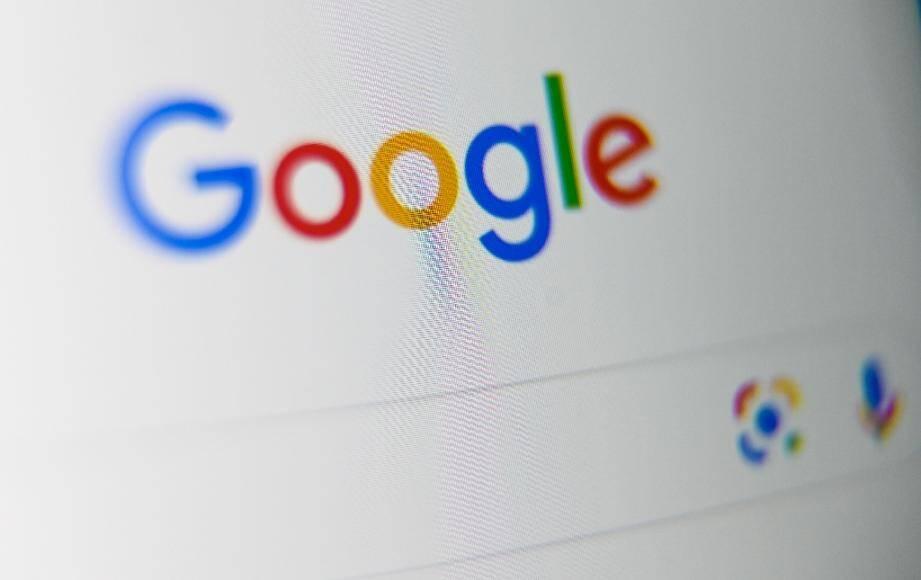 La presse française est fortement dépendante des moteurs de recherche et donc de Google, selon une analyse des flux d'internautes qui se connectent aux sites d'infos