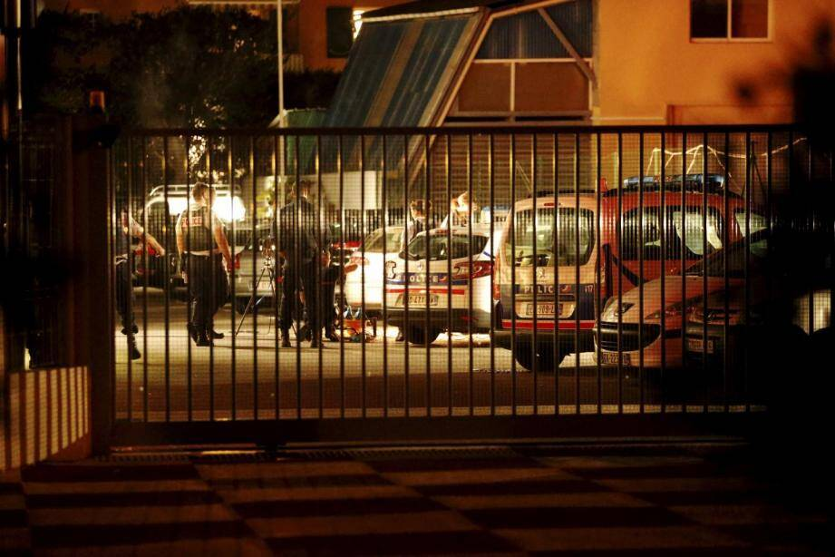 """Les policiers poursuivent """"l'exploitation des données qu'ils ont recueillies"""", selon le procureur de la République de Grasse."""
