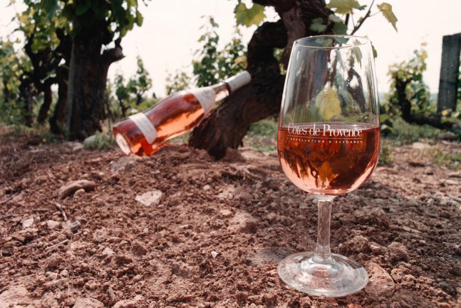 Le rosé de Provence risque d'être touché de plein fouet par les sanctions américaines.