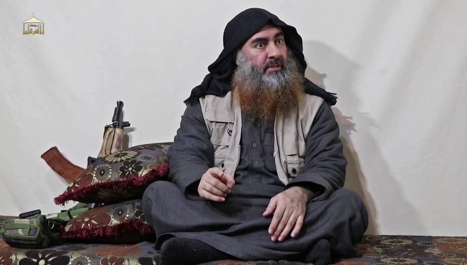 Le chef du groupe Etat islamique (EI), Abou Bakr al-Baghdadi, dans une vidéo publiée par le media Al Furqan le 29 avril 2019.