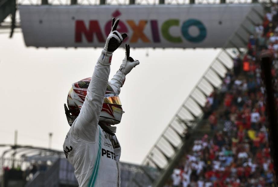 Le Britannique Lewis Hamilton (Mercedes) vainqueur du GP du Mexique, le 27 octobre 2019 à Mexico.