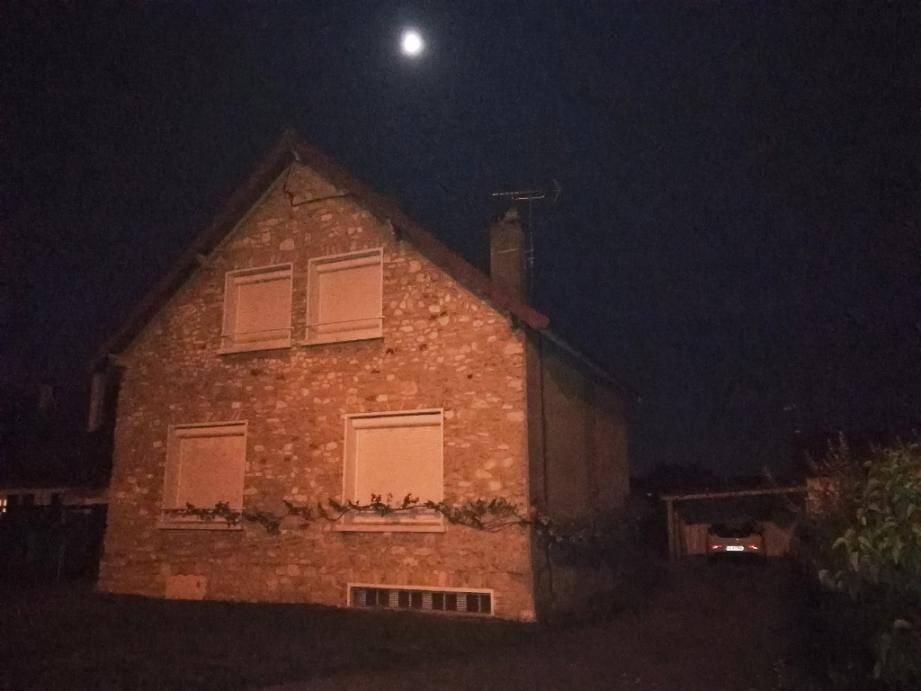 La maison de Limay, dans les Yvelines, où une perquisition a été menée dans la nuit de vendredi à samedi 12 octobre 2019