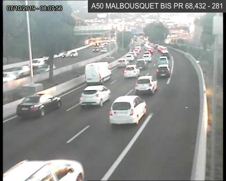 Le trafic est dense (ici porte de Malbousquet) ce lundi matin, à l'horaire de pointe.