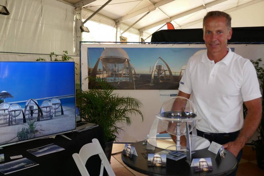 A Tahiti, Thierry Carlin a étudié les offres de la Polynésienne des Eaux (Groupe Suez) et du plus gros importateur de matériel industriel et d'énergie de la zone, le Groupe Sin Tung Hing.