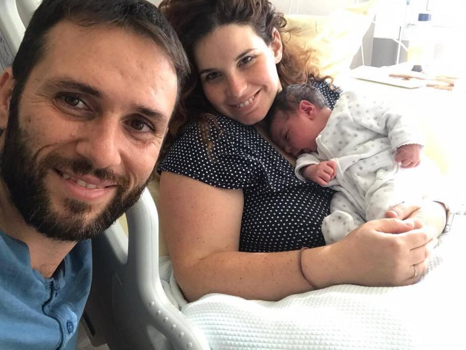 Le couple se souviendra longtemps de la naissance, atypique, de leur troisième enfant.