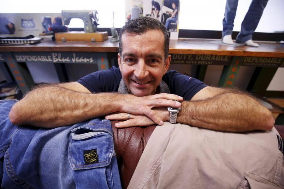 Leader du jean en GMS, Rica Lewis s'attaque aux réseaux de bricolage avec une offre technique, robuste et confortable.