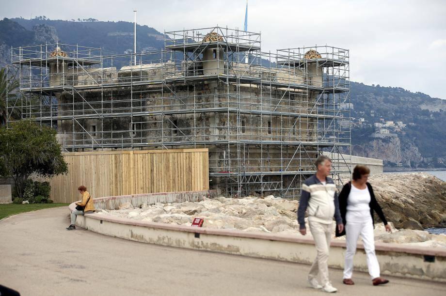 Du côté du Bastion, les travaux devraient durer 10 mois pour un budget de 850000euros. Pour la Tour de la Noria, la restauration prendra 6 mois, pour un budget de 600.000euros.