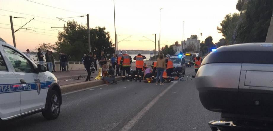 L'accident a eu lieu sur l'avenue de la Liberté, reliant Golfe-Juan à Cannes, à Vallauris.