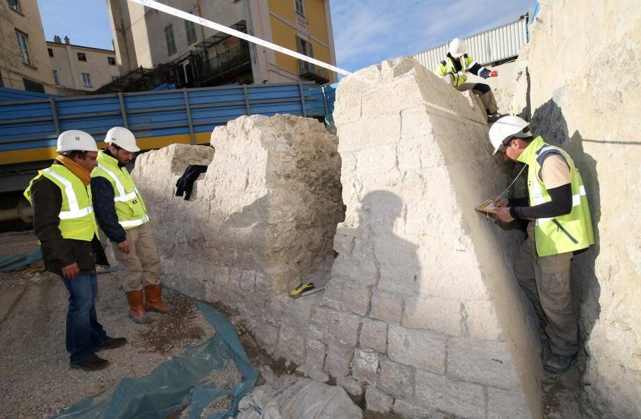 La base de la tour Sincaire a été découverte en 2016 lors des fouilles de la rue Ségurane.
