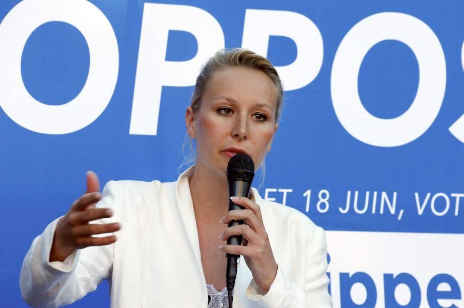 Marion Maréchal en juin 2017 lors d'une réunion publique de Philippe Vardon, candidat FN dans la 3e circonscription des Alpes Maritimes.