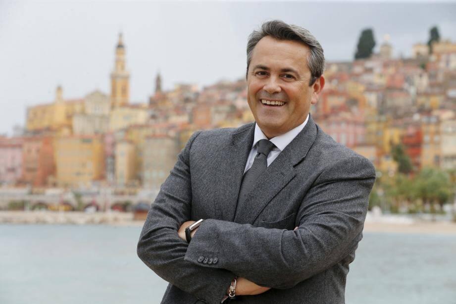 Olivier Bettati aura pour principal opposant le maire sortant Jean-Claude Guibal (LR), qui brigue un sixième mandat.