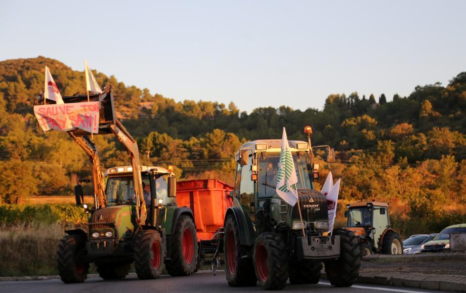 Le 8 octobre dernier, les agriculteurs ont déjà bloqué la circulation au Cannet-des-Maures.