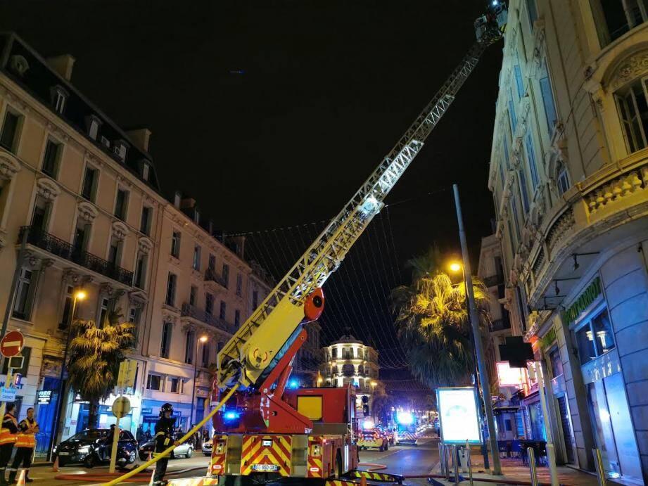 Début d'incendie au bas du boulevard Carnot à Cannes ce samedi soir