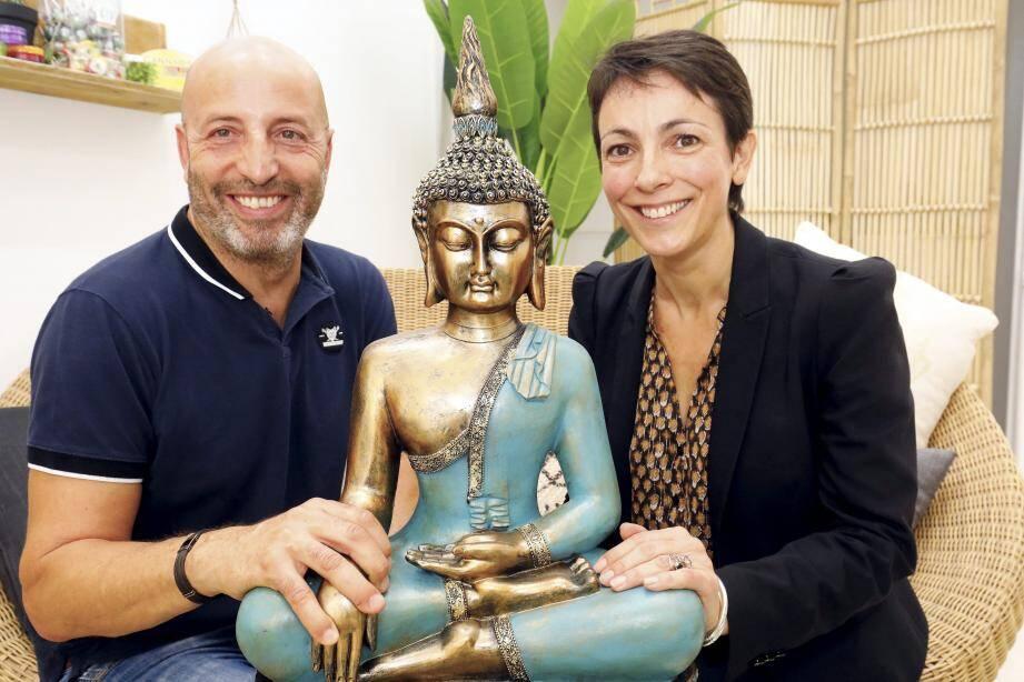 Mouloud Ousmer et Sonia Montesinos, tous deux Cannois, ont adopté le CBD pour soulager leurs propres maux et ceux de leurs proches.
