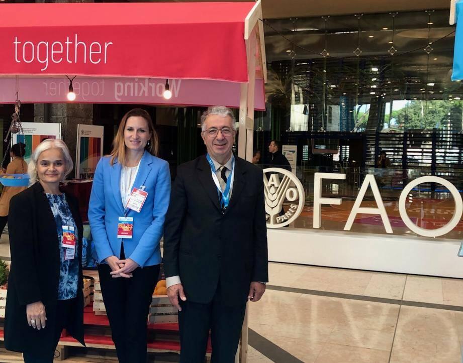 De gauche à droite : Martine Garcia-Mascarenhas, représentant permanent adjoint auprès de la FAO ;  Émilie Larese-Silvestre, chef de division, direction de la coopération internationale et Robert Fillon, ambassadeur, représentant permanent de la FAO. (DR )