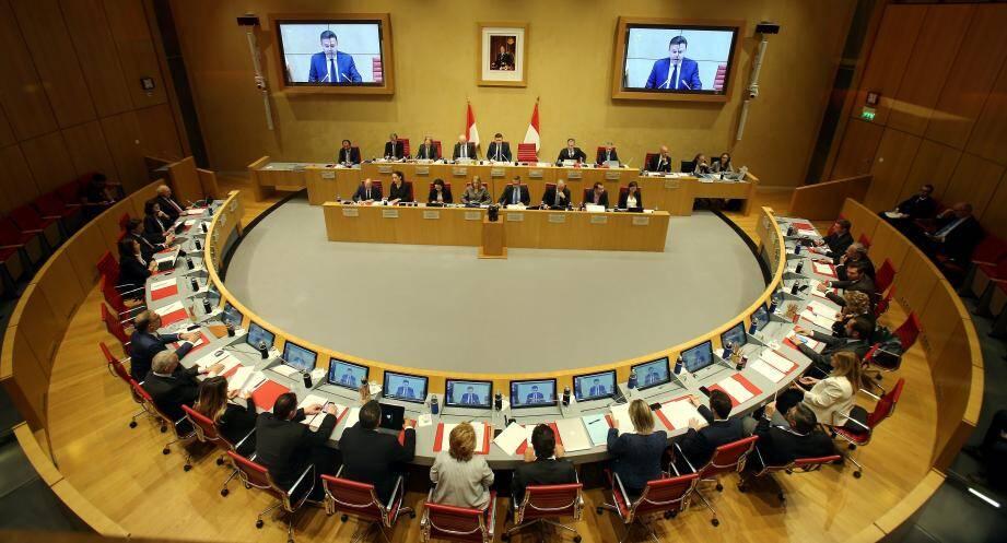 Le Conseil national a voté à l'unanimité des voix la dépénalisation du recours à l'avortement.