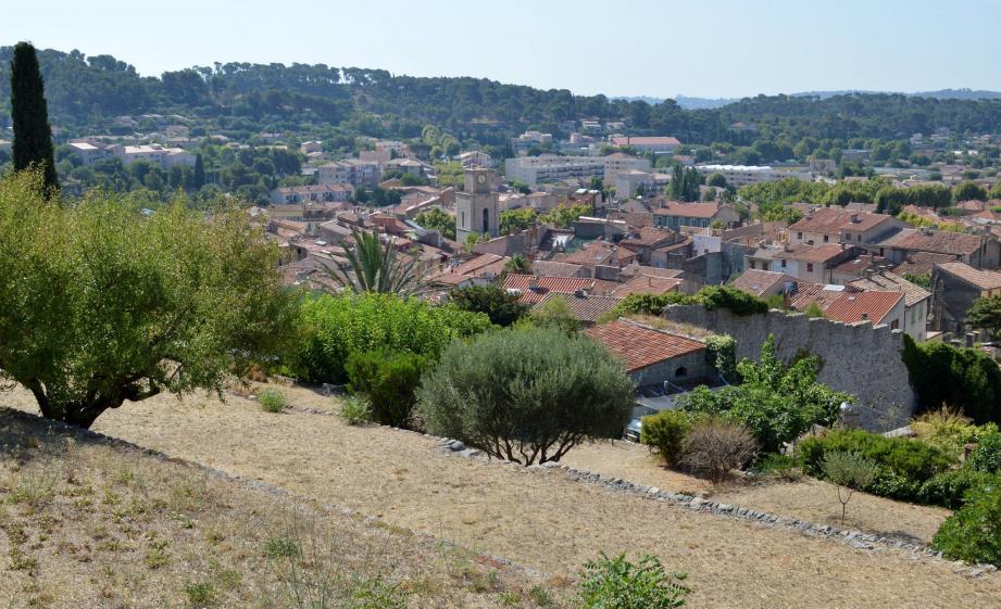 Ville d'histoire et de traditions, la cité des oliviers se prépare aussi à accueillir plusieurs gros chantiers.