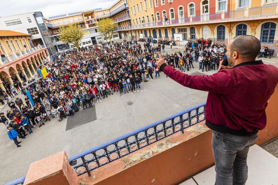 Les 1.600 élèves de Don-Bosco ont rappé avec Kareem, hier, à Nice en la mémoire d'Amanda, 15 ans, cyber-harcelée, qui s'est suicidée en 2012.