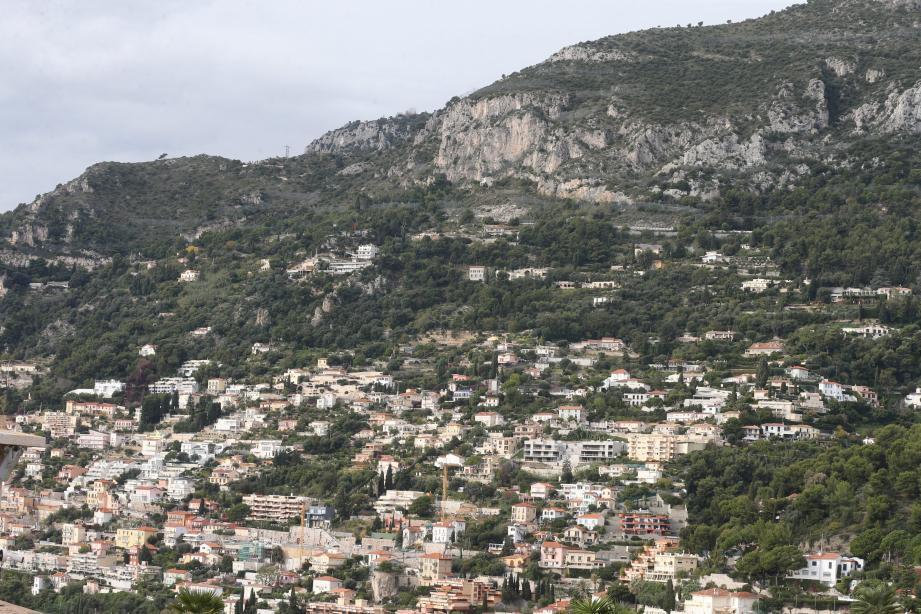 La forêt communale de Roquebrune-Cap-Martin s'étend sur 68 hectares.