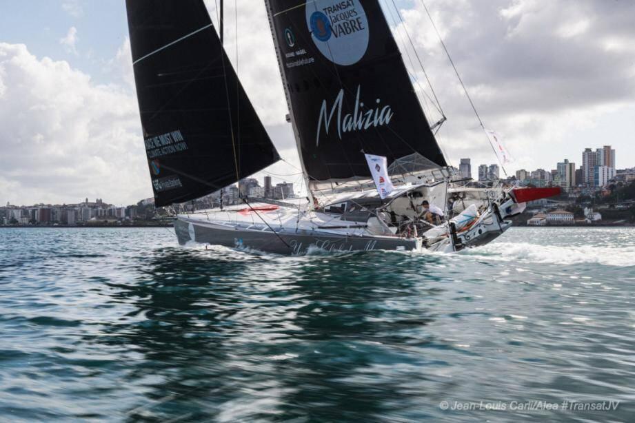Malizia II - Yacht-club de Monaco est arrivé hier au Brésil, après un peu moins de 15 jours de course depuis Le Havre.