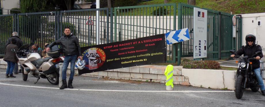 Le Collectif motards 83 appelle les Français à se mobiliser pour plus d'humanité et de citoyenneté.