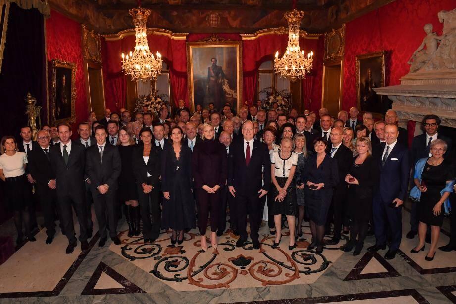 La famille princière a assisté au complet à la cérémonie de remise des médailles des ordres de Saint-Charles et Grimaldi, hier dans la Salle du Trône.