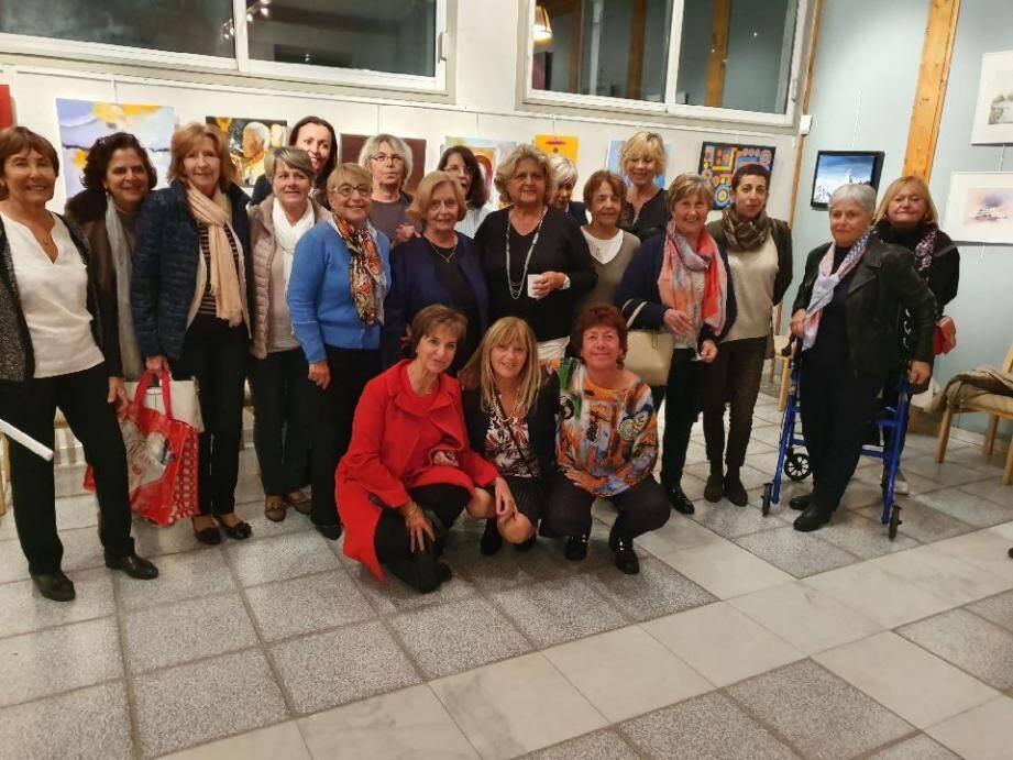 Un moment de rencontre et de partage autour des œuvres de « L'atelier des artistes » de Mouans-Sartoux. (DR)