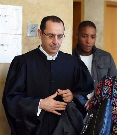 Me Bruno Rebstock (à gauche) a défendu « l'honneur » du médecin, face à ses accusatrices représentées par Me Olivier De Fassio (à droite, lors du procès à Nice) et Marie Audier.