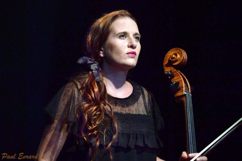 La violoncelliste Marjolaine Alziary sera l'une des interprètes du concert baroque de « l'Estro Armonico ».