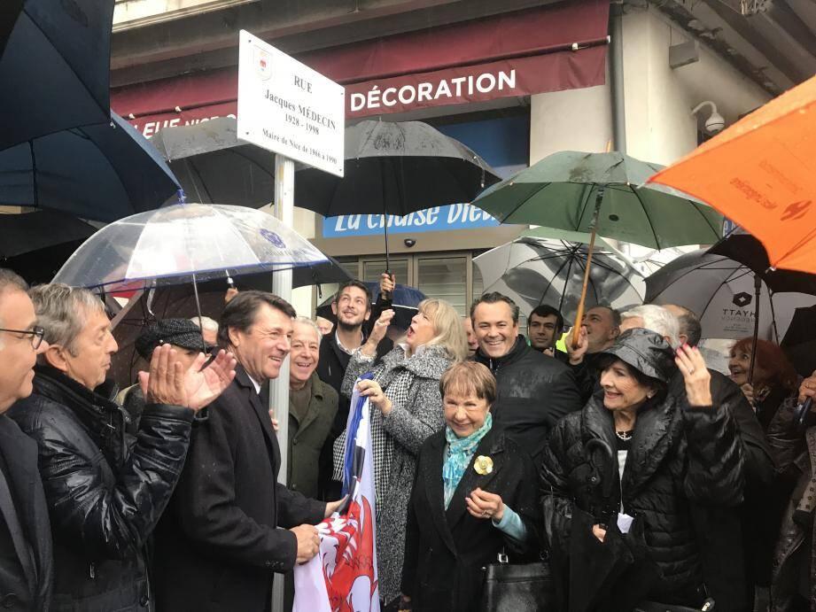 Il y avait foule dans l'ex-rue de l'Opéra hier, pour Jacques Médecin.
